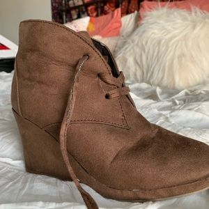 Shoes - Brown Wedged Ankle Booties